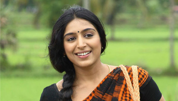 Southern actress Padmapriya gets hitched