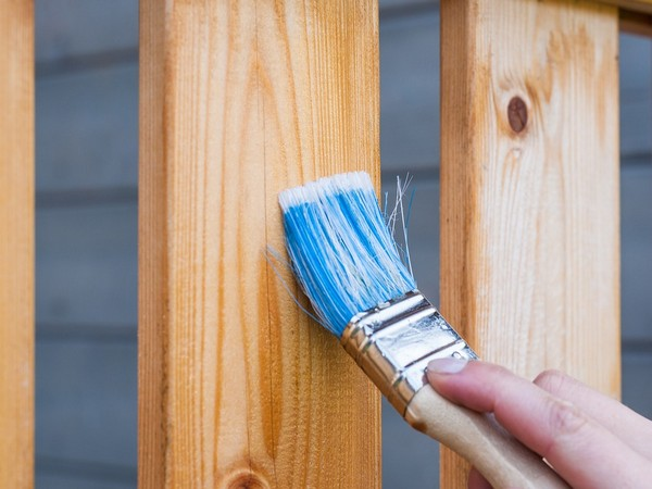 Paint, varnish exposure may increase multiple sclerosis risk: Study