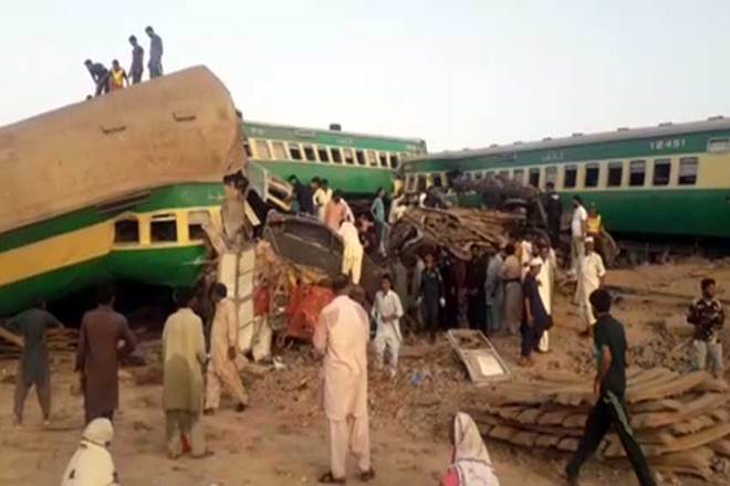 14 killed, 79 injured in Pak train accident