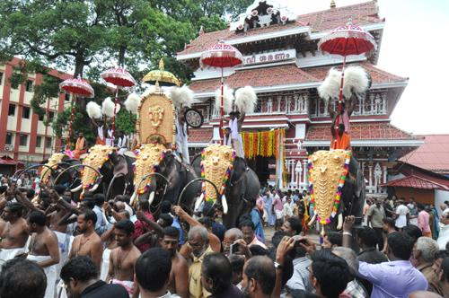 Curtains go up for iconic festival Thrissur Pooram