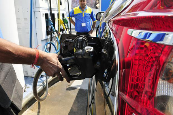 Centre cuts fuel prices by Rs 2.50/litre, some states follow suit