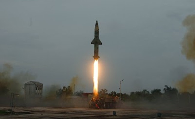 India test-fires n-capable missile