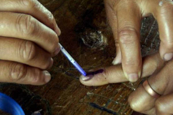 Re-polling in Shahjahanpur, Hamirpur, Agra on May 6