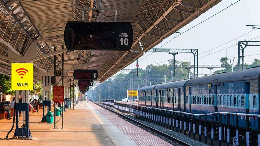 Railways to pay all contractual, outsourced staff