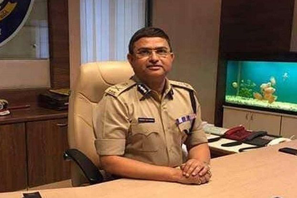 CBI infighting: Special Director Rakesh Asthana moves HC to get FIR quashed in bribery case