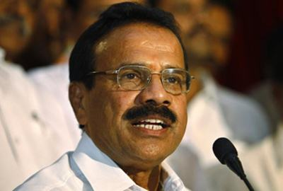 Railway minister blames bus driver for Telangana accident