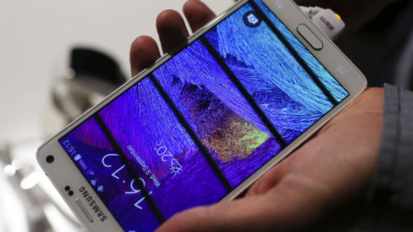 Samsung launches Note 4, priced at Rs.58,300