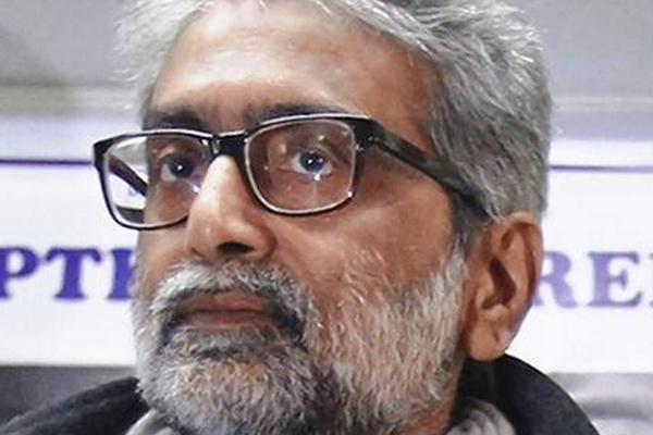 SC sets deadline for HC on Navlakha plea