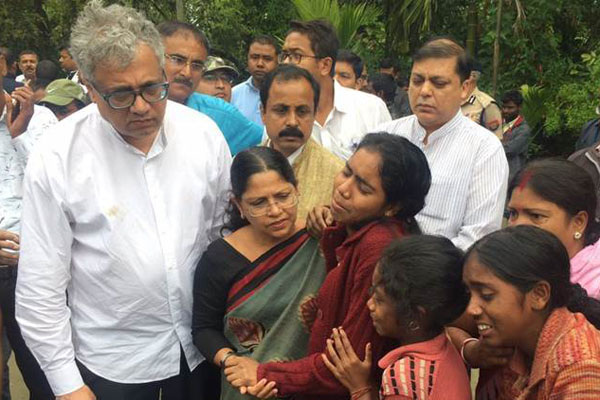 Vicious environment prevailing: TMC leaders after meeting families of Tinsukia victims