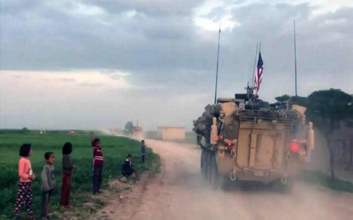 Kurds throw rotten fruits at US troops leaving Syria