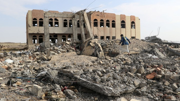 Saudi Arabia, UAE vow to back Yemen war effort amid cracks