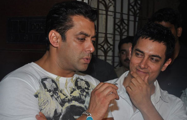Now Aamir dares Salman to bare it all!