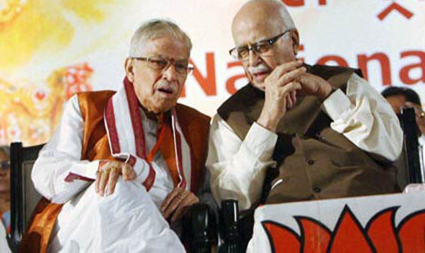 SC notice to Advani, Joshi over Babri demolition