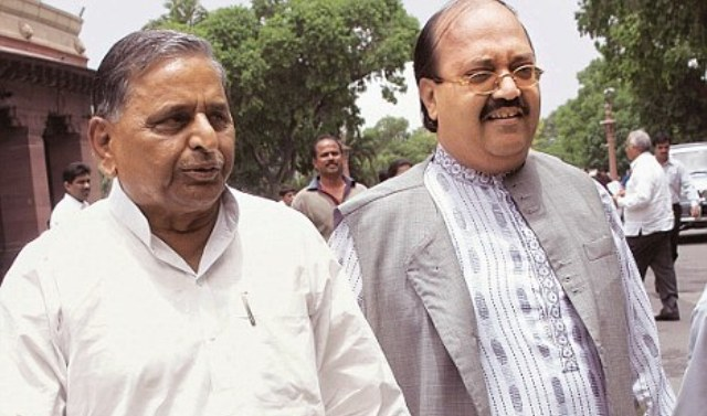 Mulayam, Amar share dias after four years