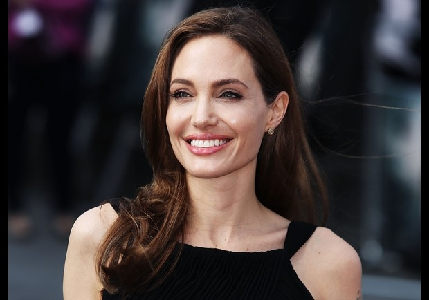 Angelina Jolie receives honorary citizen of Sarajevo prize