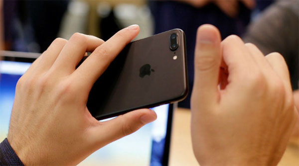 Apple secretly developing its own screens: Report