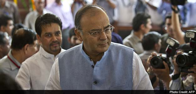 Soldiers to respond to ceasefire violations: Jaitley