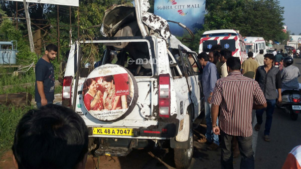 Seven killed as car falls into water-filled pit in Thrissur