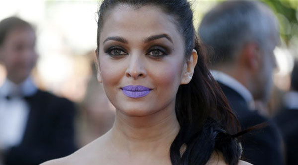 Aishwarya makes heads turn with purple pout at Cannes