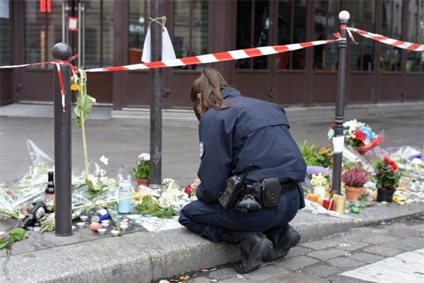 Video confirms ninth assailant in Paris: police sources