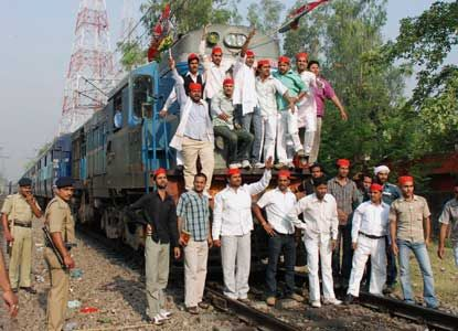 Bharat bandh hits normal life; bus, rail services affected