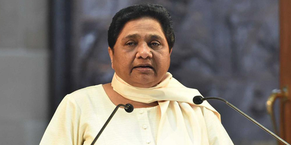 Mayawati meets BSP leaders, warns about EVMs
