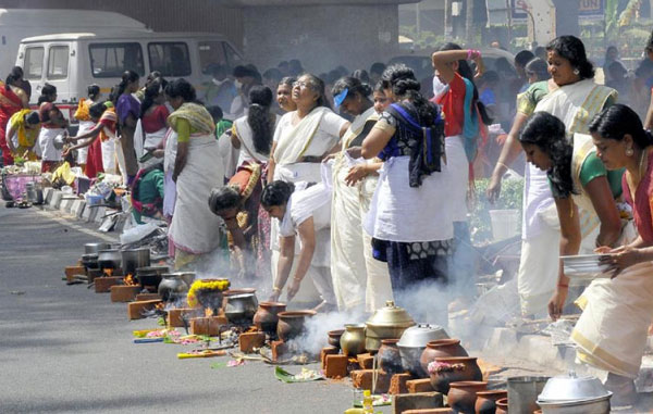 Thousands of women converge in capital for pongala