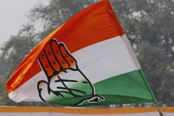 Congress candidates hit back at Mamatas RSS jibe