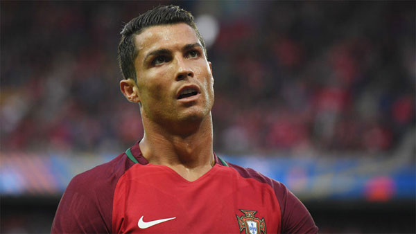 Ronaldo, Portugals financial as well as football star