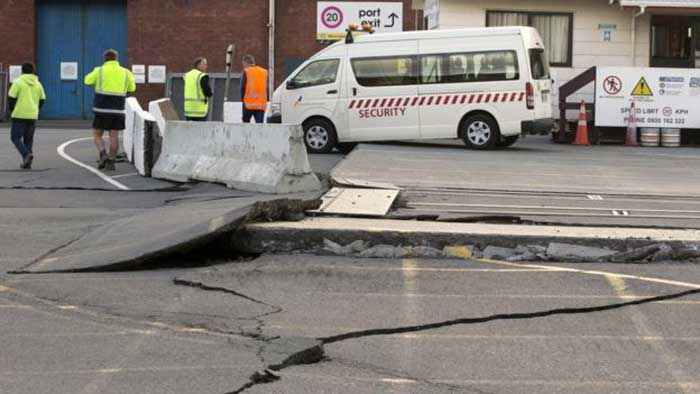 2 killed following powerful tremor in New Zealand