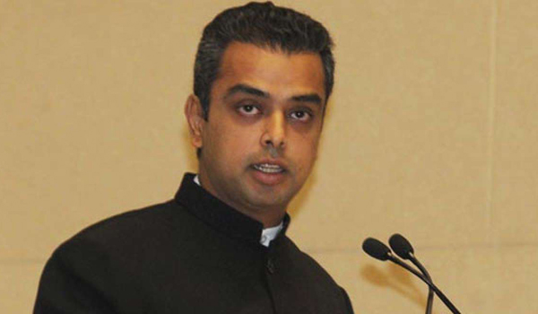 Milind Deora censured by EC for speech