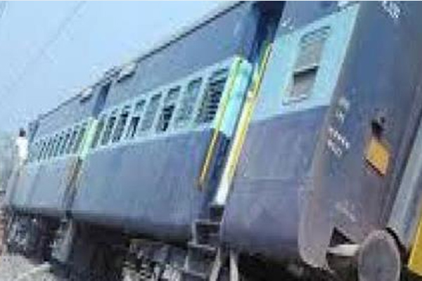 Two coaches of Chennai-Mangalore superfast derail