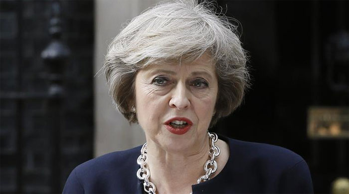 Brexit: Theresa May wants early deal on Britons in EU
