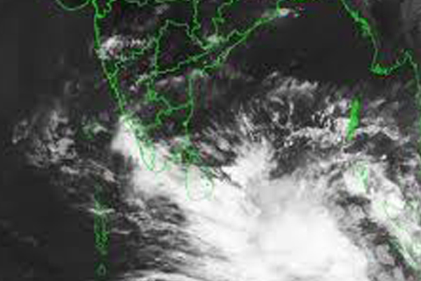 Indian Navy on high alert for cyclone Fani