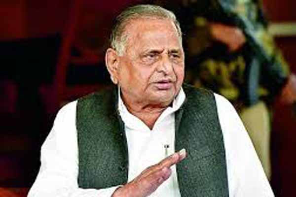 Mulayam wants seniors to return, Shivpal included