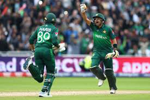 Cricket World Cup 2019: Azam hits hundred as Pakistan halts New Zealands unbeaten run to continue World Cup revival