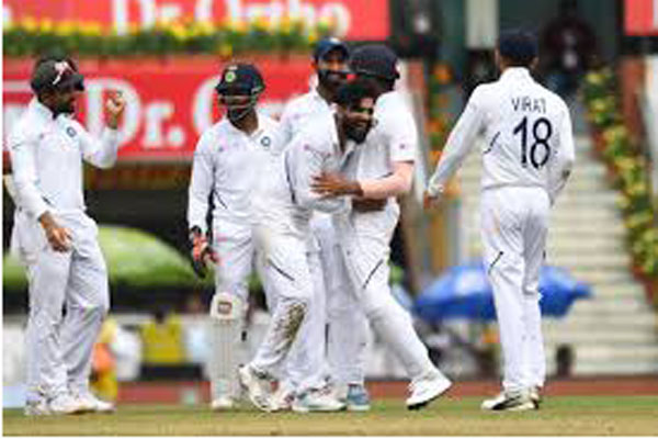 Ranchi Test: India tighten screws on South Africa ( Lunch)