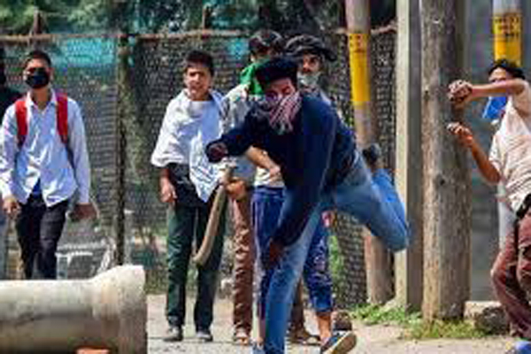 Play on stone pelting in Kashmir cancelled in Jaipur