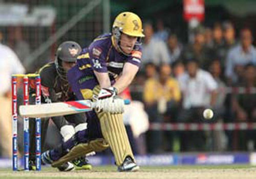 Sunrisers beat KKR, storm into IPL play-offs