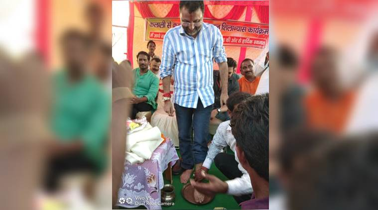 BJP worker washes MP s feet, drinks the water