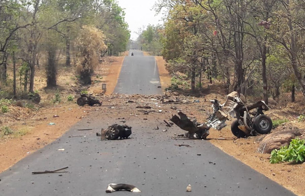 15 troopers, driver killed in Maoist blast in Maharashtra