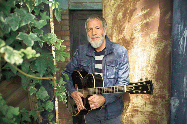Video: Yusuf Islam tells refugee children #YouAreNotAlone