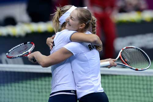 Russia beat Japan 3-2 in Fed Cup quarters