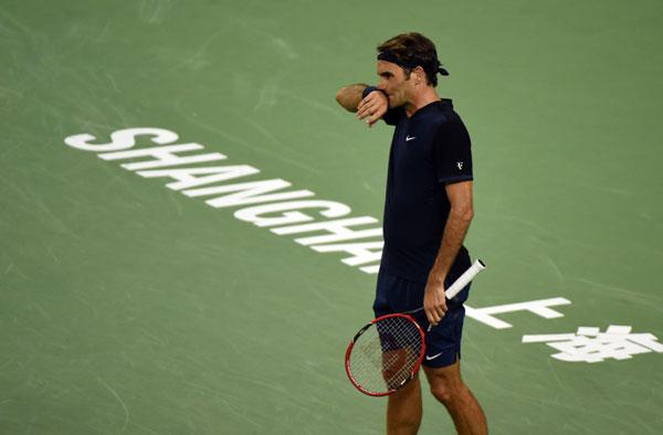 Federer reclaims top spot in ATP rankings