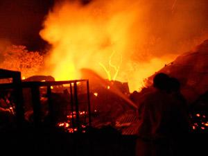Fire in old Delhi market