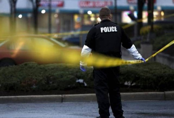 Two police officers injured in US shooting, suspect nabbed