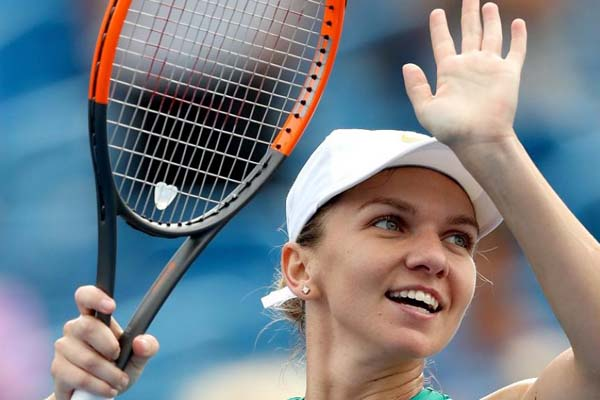 Halep stays No. 1 in world tennis rankings, Osaka enters top 10