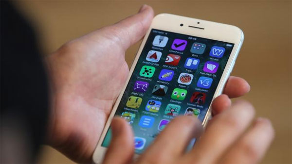 Apple set to bring users health records to iPhone