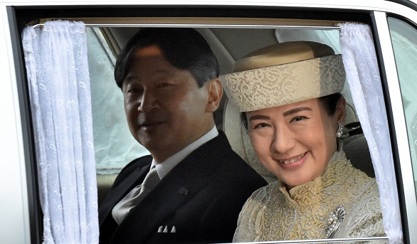 Japan rings in new era as Naruhito becomes emperor