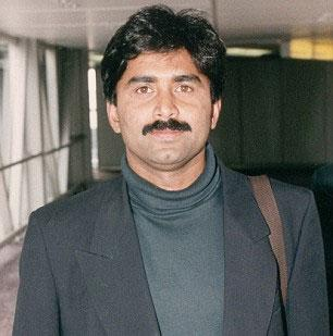 Javed Miandad cancels India trip amidst controversy